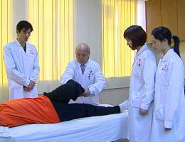 中国十大中医骨伤明老中医韦贵康教授来扶正堂施教