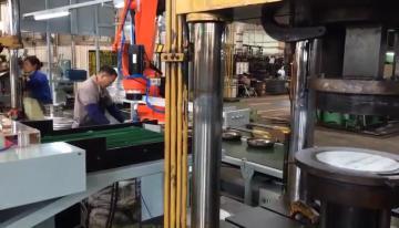 四轴关节机器人现场视频(2)
